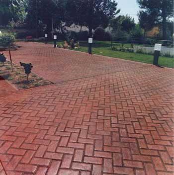 Pavimentazione esterna cemento stampato frusta per impastare cemento - Pavimento da esterno carrabile ...