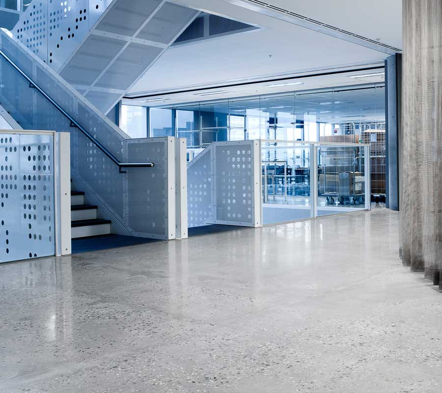 Foto calcestruzzo levigato pavimento moderno - Pavimento interno moderno ...