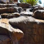 roccia artificiale cascata a scaglia