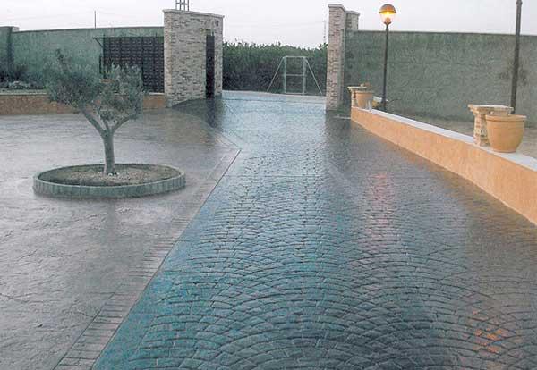 Pavimenti in resina satinata salotto pavimento moderno - Pavimento esterno cemento stampato prezzi ...