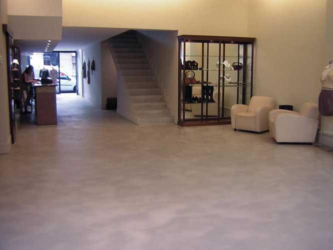 Pavimento Grigio Moderno : Microcemento per pavimento grigio argento pavimento moderno