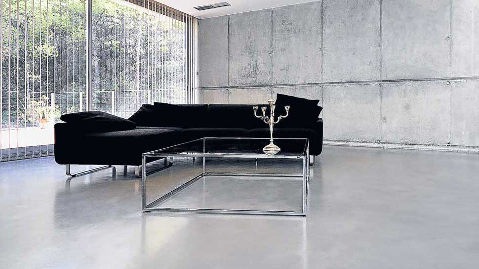 Pavimento Grigio Moderno : Microtopping pavimento grigio perla zona giorno luce liscio resina