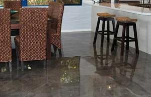 pavimento in marmo sintetico lucido