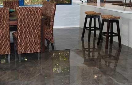 Pavimento in marmo sintetico senza fughe