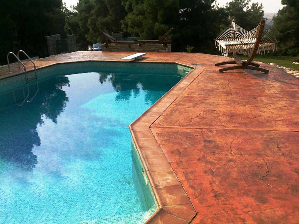 Pavimenti per esterno bordo piscina una fonte di for Bordo piscina legno