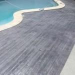 bordo piscina in finto legno