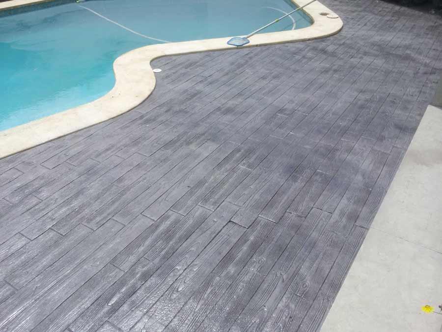 Foto cemento stampato pavimento moderno - Pavimento esterno finto legno ...