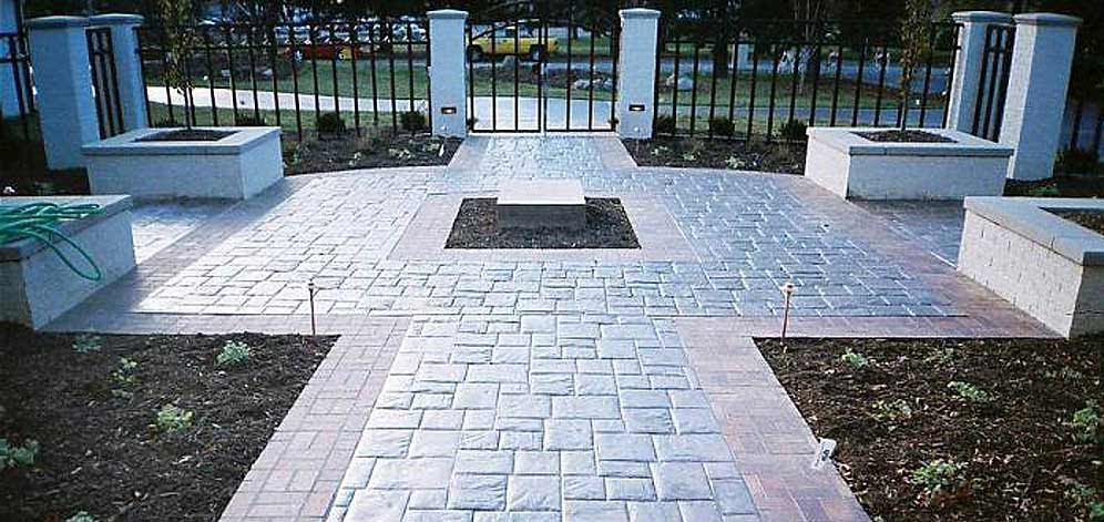 Foto cemento stampato pavimento moderno - Pavimentazione giardino senza cemento ...
