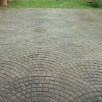 pavimento moderno in cemento sampietrini