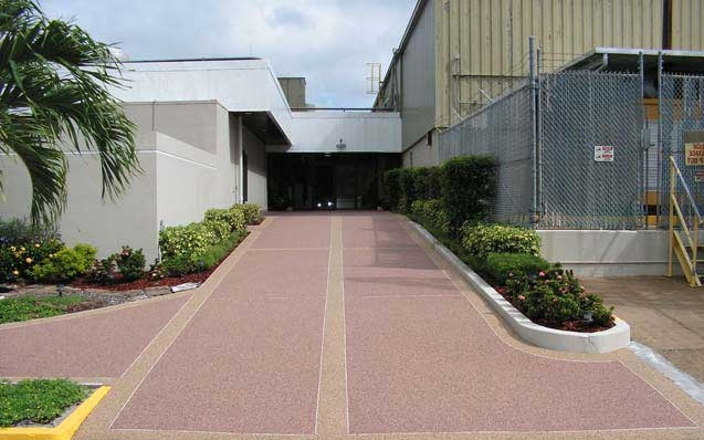 Piastrelle per giardino multiplate beige pavimento - Pavimento per giardino ...