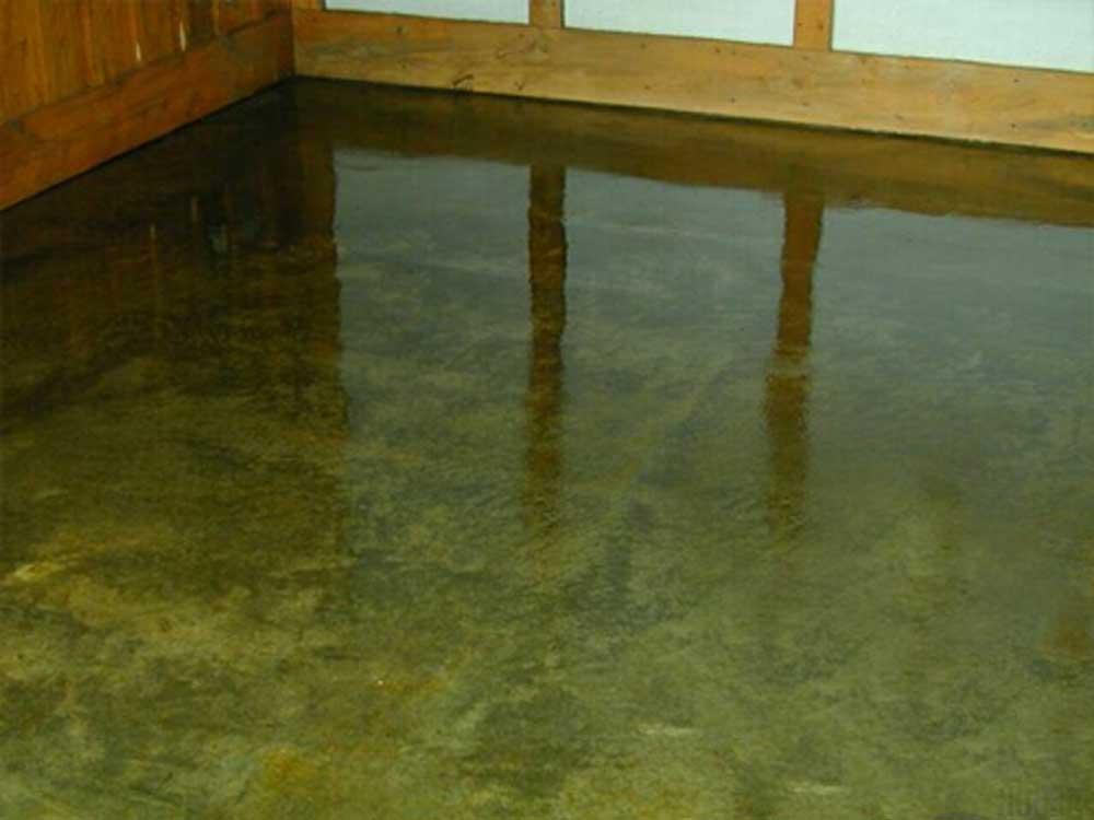 Foto pavimento acidificato pavimento moderno for Pavimento senza fughe