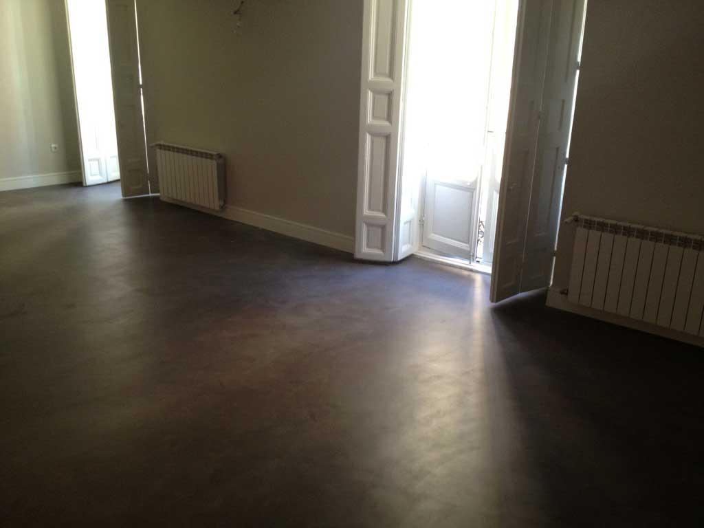 pavimento-grigio-fumo-microcemento-spatolato-lucido-liscio-effetto ...