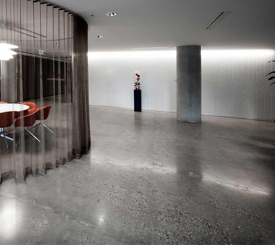 Foto calcestruzzo levigato pavimento moderno for Pavimento interno moderno