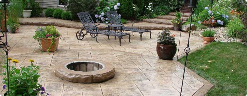Cemento stampato per pavimento esterno resistente - Pavimentazione cortile esterno ...