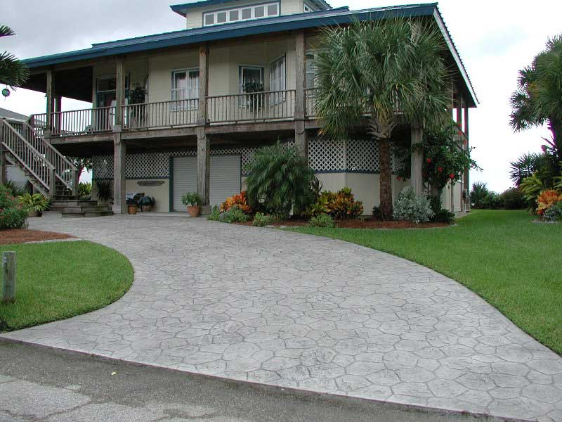 Pavimento giardino aiuole cemento stampato grigio - Pavimento esterno cemento stampato prezzi ...