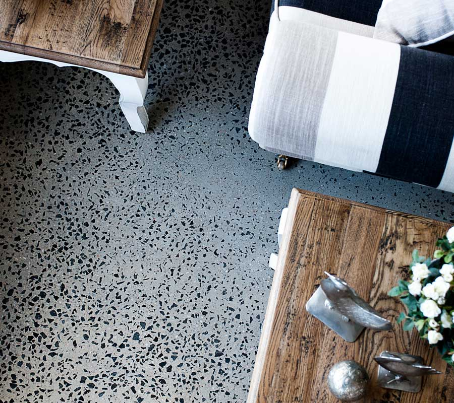 pavimento in calcestruzzo levigato vintage