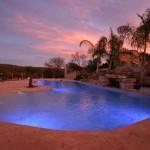 piscina con cromoterapia effetto spiaggia