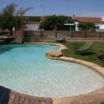 piscina effetto naturale