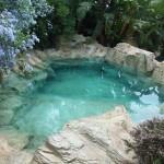 piscina in roccia ad effetto naturale