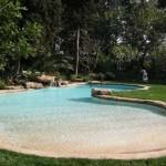 bordo in roccia per piscina