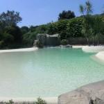 piscina ad effetto spiaggia
