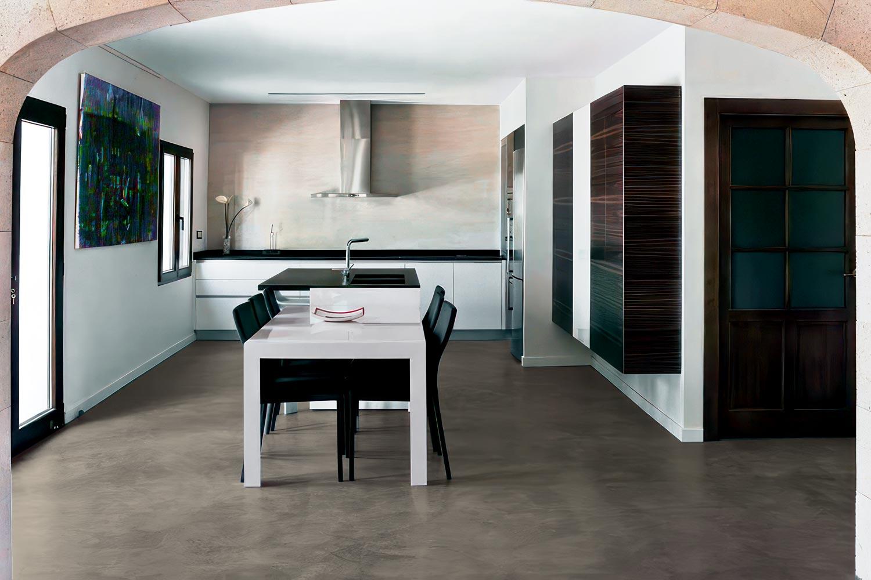 Pavimenti in cemento spatolato per interni moderni for Pavimenti moderni per interni