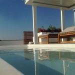 rivestimento piscina rettangolare su terrazza