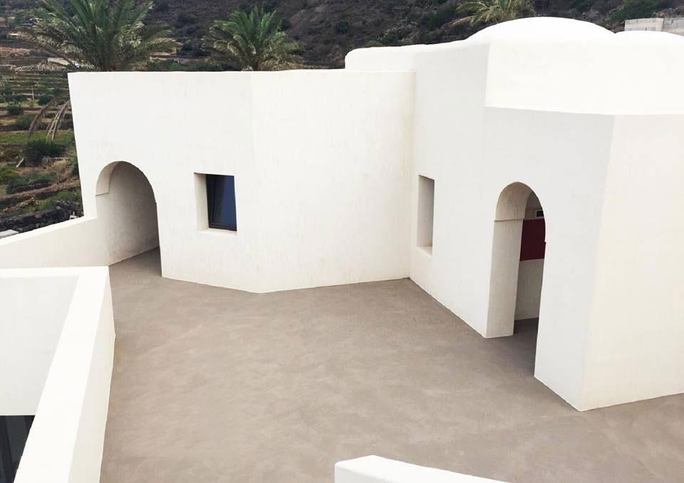 Pavimento esterno antiscivolo carrabile infinity outdoor - Resine per terrazzi esterni ...