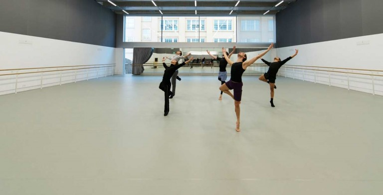 pavimento antitrauma per danza in resina