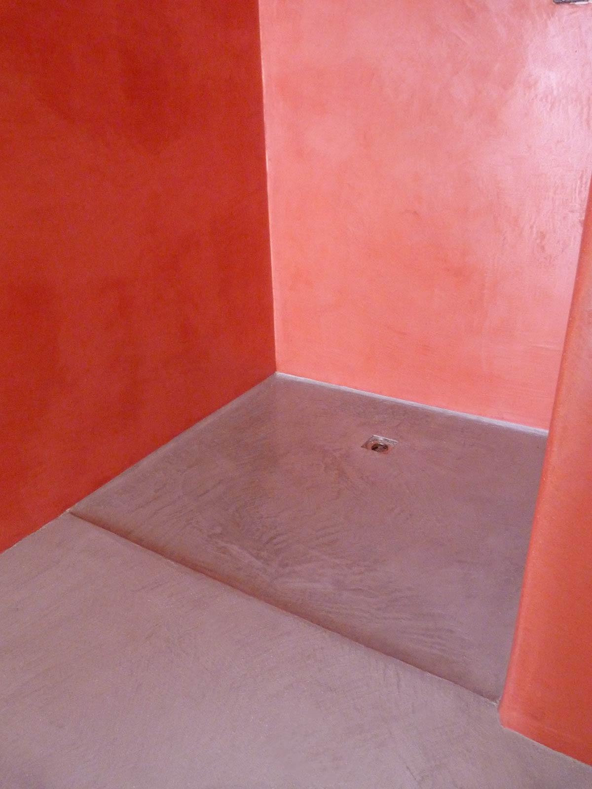 Rivestire piastrelle bagno in resina pavimento moderno - Pareti doccia in resina ...
