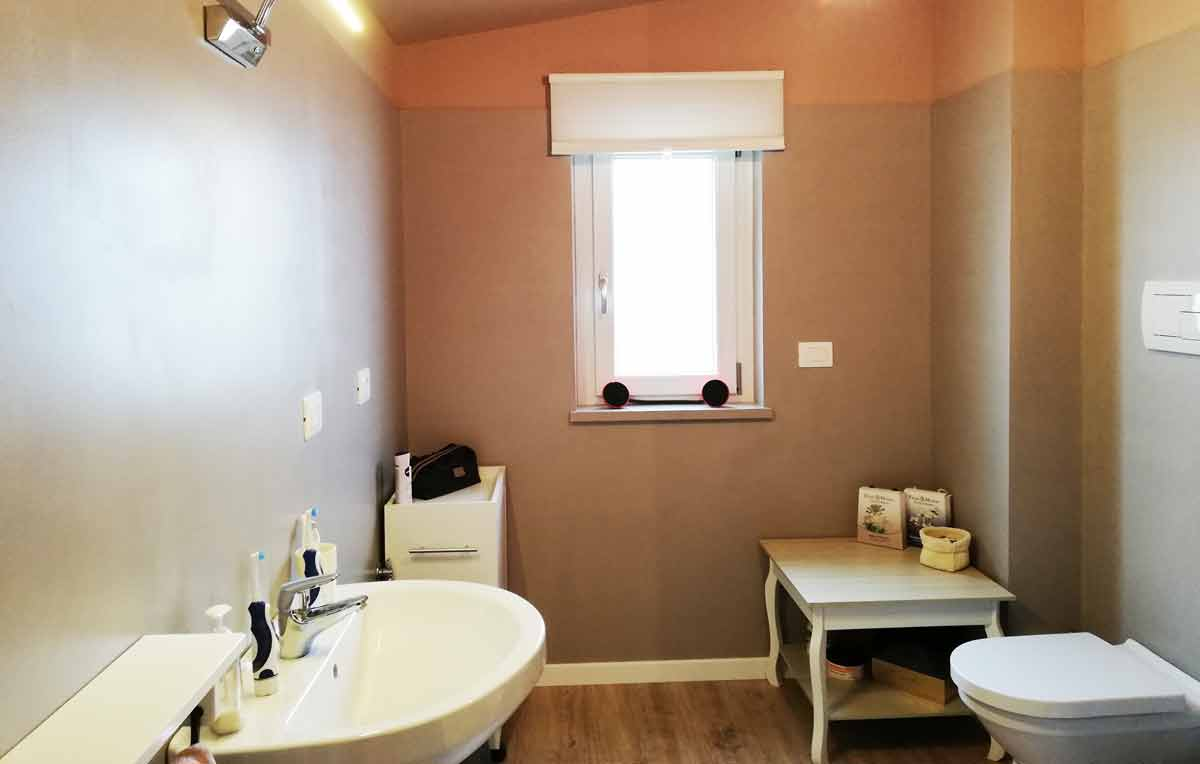 Rivestire piastrelle bagno in resina pavimento moderno - Rivestire piastrelle bagno ...