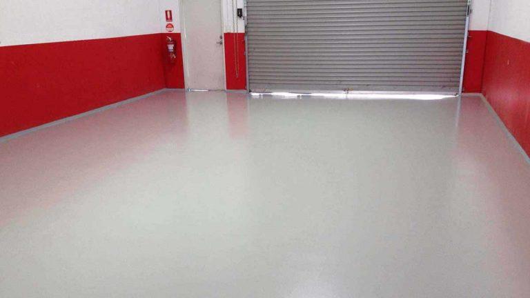 pavimenti garage in resina grigio