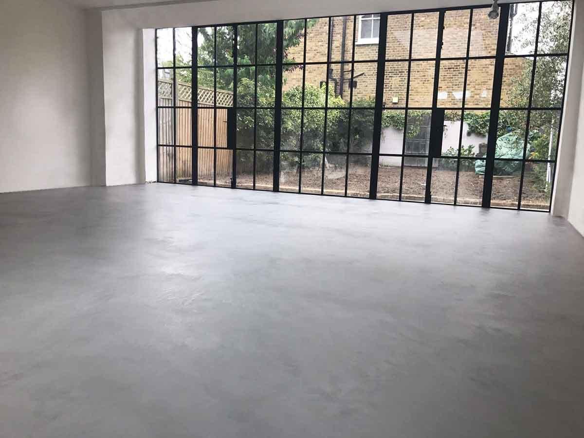 Pavimento Bianco E Grigio : Foto pavimenti in resina infinity indoor pavimento moderno