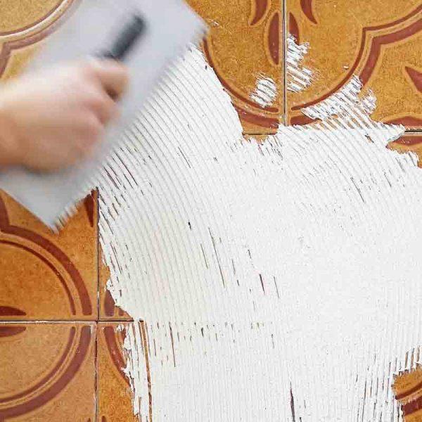rinnovare le piastrelle con la resina